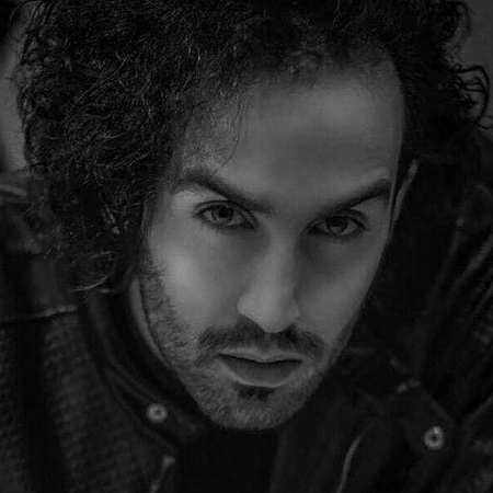 دانلود آهنگ احمد سلو لعنت به اون که الان ماهته لعنت به تو زیبای بی عاطفه